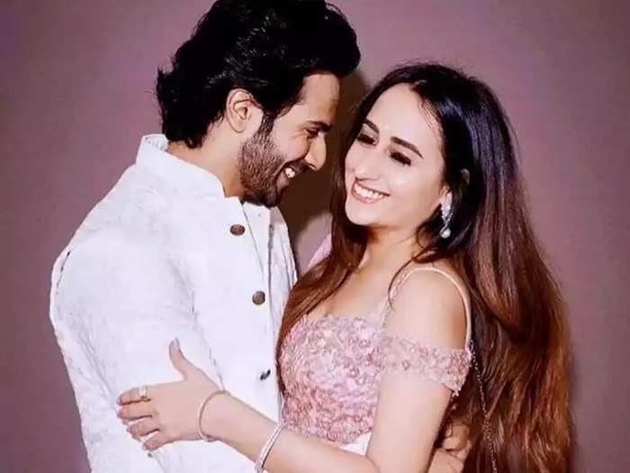 varun dhawan share his experience about relationship and how he married with his girlfriend