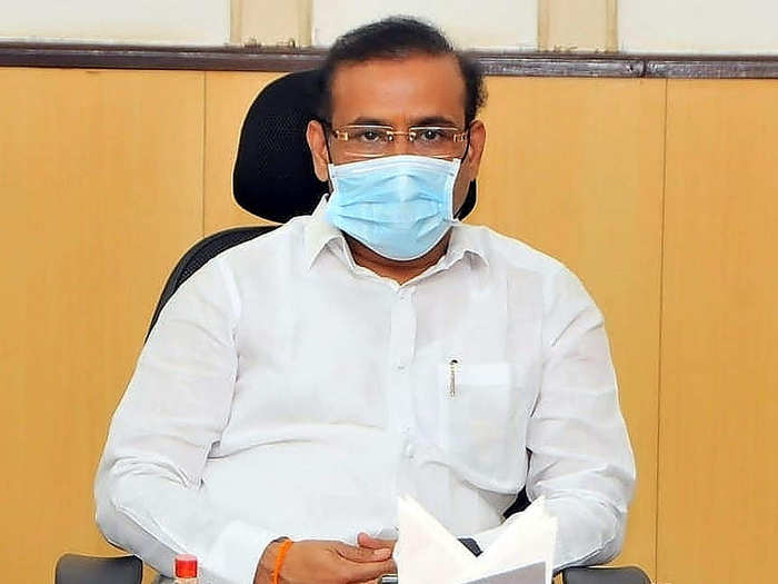 Health Minister Rajesh Tope said that beds were being reserved for patients in large hospitals in the flood-hit areas