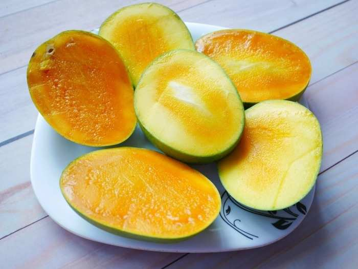 7 proven health benefits of eating mangoes for every women as per science