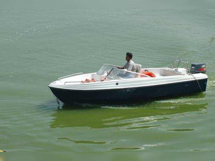Boat in Gullapur