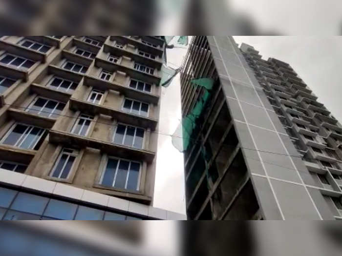 four dead and one seriously injured in elevator collapse in worli of mumbai