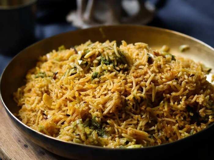 बिरयानी बनानी हो या फिर प्लेन राइस सबके लिए पर्फेक्ट हैं ये लंबे दाने वाले खुसबूदार Basmati Rice