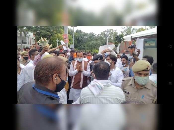 Meerut News: केशव प्रसाद मौर्य बोले- अखिलेश हैं ट्विटर यादव, यूपी में 300 जीतेगी बीजेपी