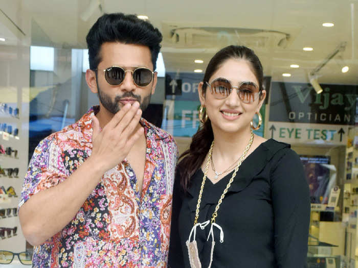 rahul vaidya and disha parmar spotted in casual look for shopping after wedding
