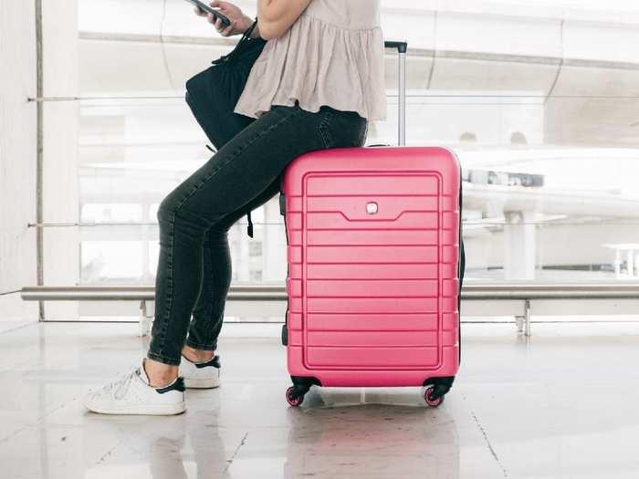 आप की जर्नी को आसान बनाएंगे लाइट वेट और मजबूत Luggage Bags, देखने में भी हैं काफी स्टाइलिश