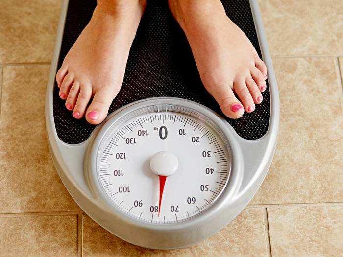 पर्फेक्ट रीडिंग देने वाले इन Weighing Scale मशीन से घर बैठे चेक करें वजन और खुद को रखें फिट