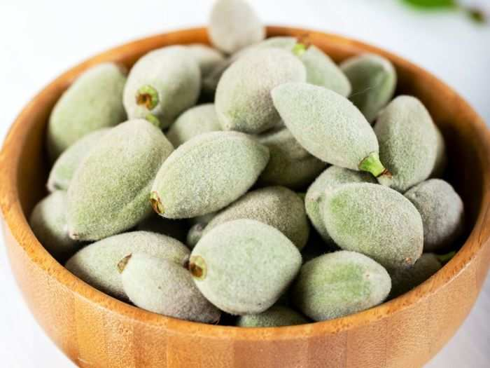 green almonds helps in weight loss or oral health and know its health benefits