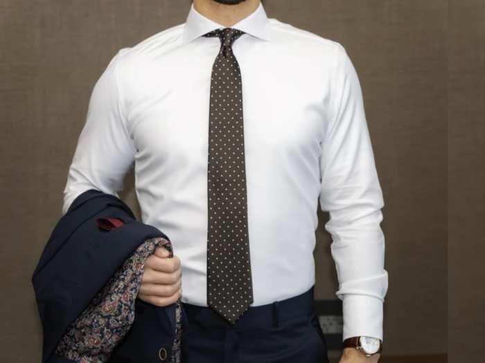 ऑफिस में या फिर पार्टी में दिखना चाहते हैं हैंडसम, तो जरूर खरीदें ये Shirts For Men