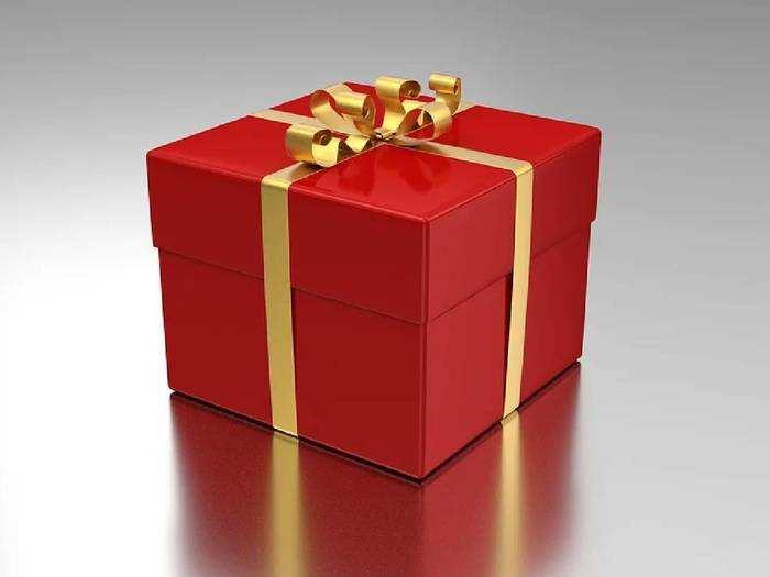 Friendship Day Gifts : दोस्ती के रिश्ते को मजबूत बनाने के लिए अपने दोस्त को दे सकते हैं ये गिफ्ट्स