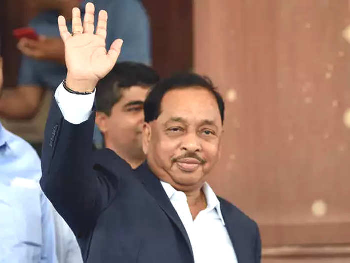 union minister narayan rane attracts attention