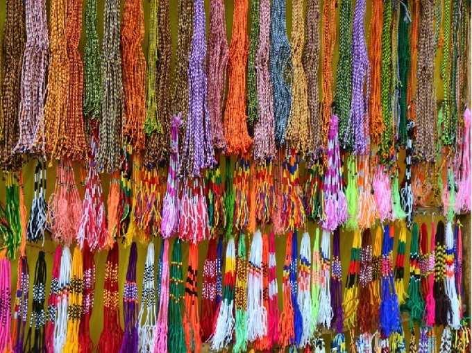 নিজের BFF-এর স্বভাব ও প্রকৃতি অনুযায়ী ফ্রেন্ডশিপ ব্যান্ড দিন, জানুন কোন রঙ কীসের প্রতীক