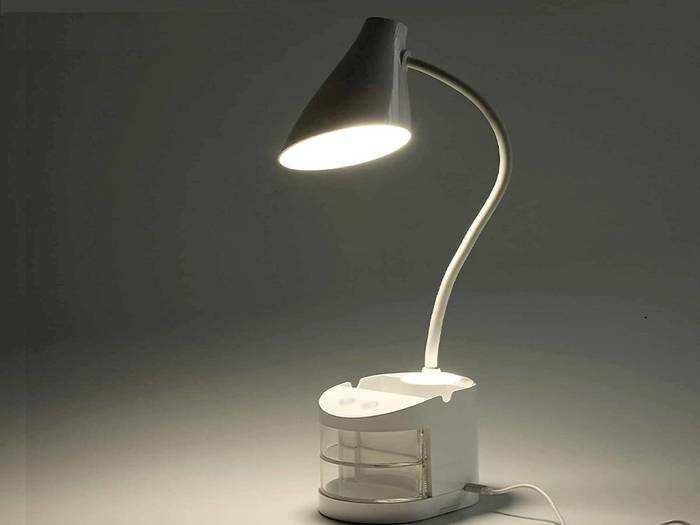 बच्चों को रखना है पढ़ाई के लिए और भी ज्यादा फोकस्ड, तो आज ही उन्हें गिफ्ट करें ये Table Lamp