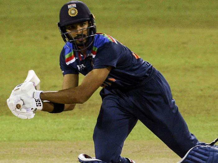 Devdutt Padikkal Stunning Six: देवदत्त पडिक्कल का ऐसा धांसू सिक्स, सीधे टीम इंडिया के डगआउट पहुंची गेंद