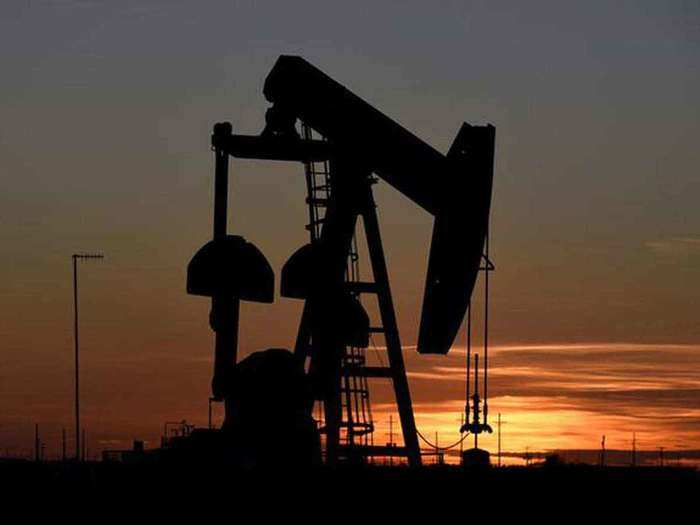 फिर महंगा होने लगा है कच्चा तेल (File Photo)