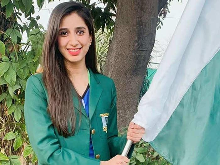 तोक्यो ओलिंपिक गई पाकिस्तानी बैडमिंटन स्टार महूर शहजाद को मांगनी पड़ी पठानों से माफी, हैरान करने वाली है वजह