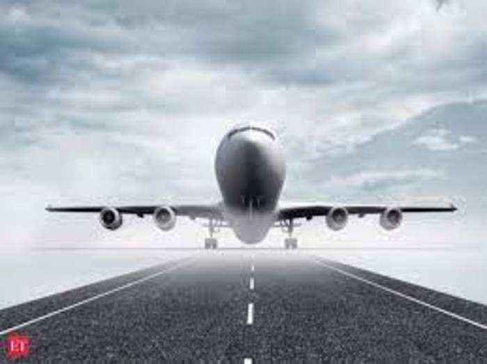 महामारी के कारण पिछले साल मार्च में उड़ानों पर रोक लगाई गई थी।
