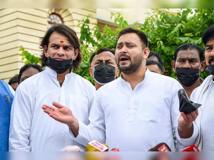 Patna: RJD leader Tejashwi Yadav addresses media persons outside Bihar Legislati...