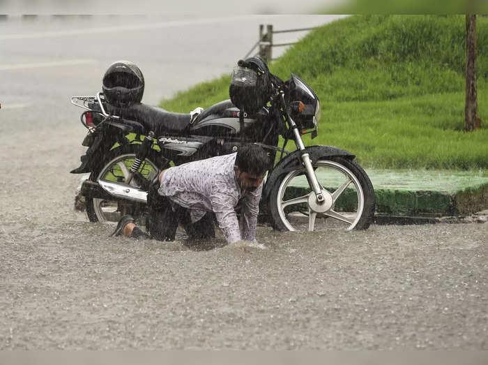 heavy rain in india destruction in many parts