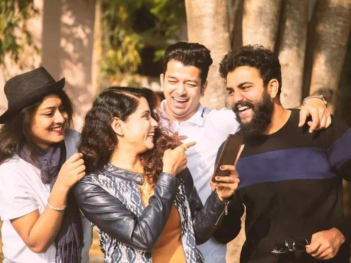 how to celebrate friendship day during pandemic and tips for virtual friendship day celebration