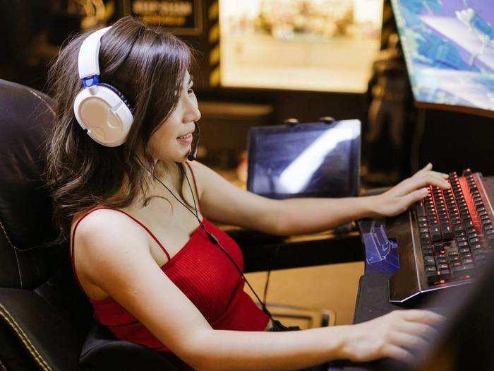 गेमिंग के लिए पर्फेक्ट हैं ये हाई बेस वाले Headphone, कीमत ₹3,000 से भी कम