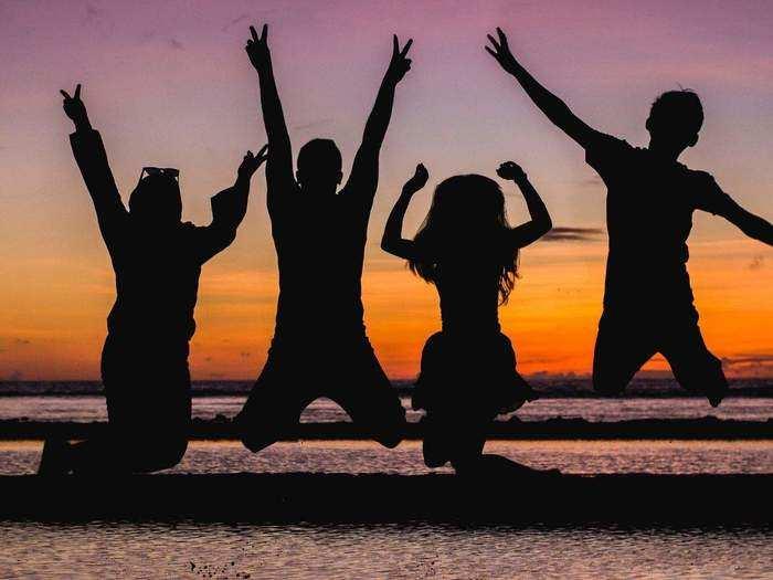 Friendship Day 2021 : नवचैतन्य देणारे मैत्र!