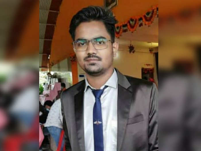 young doctor commits suicide by injecting poison