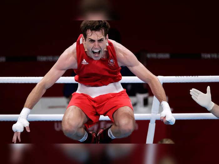 जीत का जश्न मनाने में घायल आयरलैंड का मुक्केबाज ओलिंपिक से बाहर