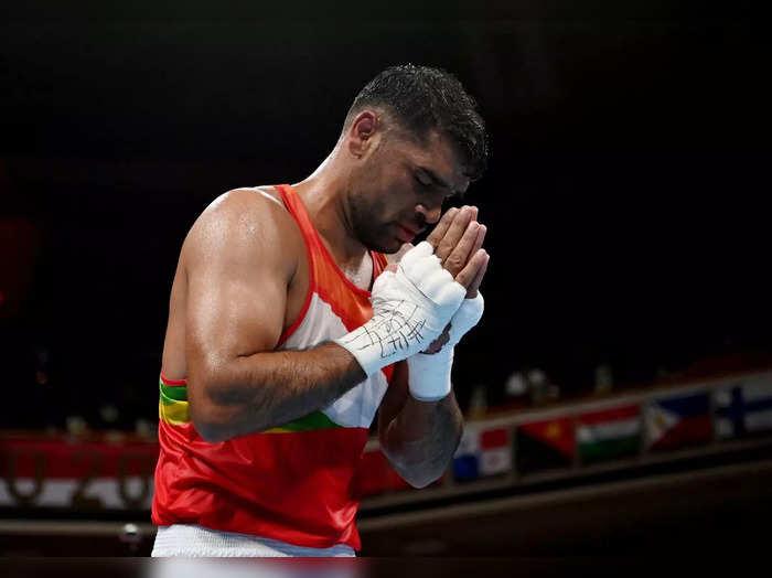 Satish Kumar Olympic: क्वार्टर फाइनल में हारे बॉक्सर सतीश कुमार, जख्मी शेर ने जीत लिया दिल