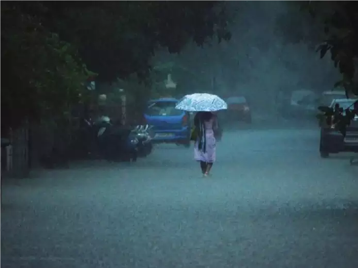 Rain in Rajasthan : राजस्थान में बारिश का रेड अलर्ट, अगले तीन दिन भी होनी है भारी वर्षा, पढ़े डिटेल्स