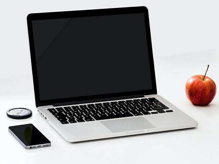 कम बजट में मिलेगा आपको बेस्ट फीचर वाला लैपटॉप, कीमत सुनकर रह जाएंगे हैरान