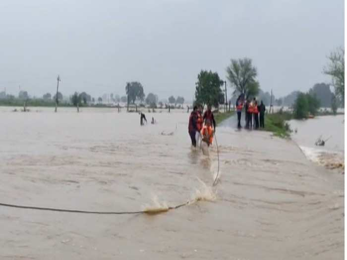 rains cause havoc in gwalior-chambal region, thousands of villages submerged in water, see images