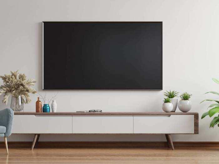 इन 55 इंच तक की 4K Ultra HD Smart TV में मिल रहे हैंं वॉइस कंट्रोल जैसे लेटेस्ट फीचर, कीमत भी है कम
