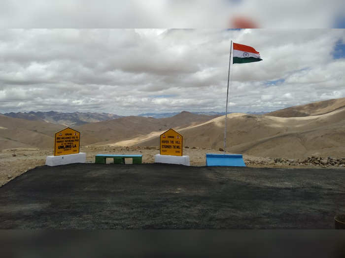 Umling La Pass india builds highest motorable road in the world in eastern ladakh