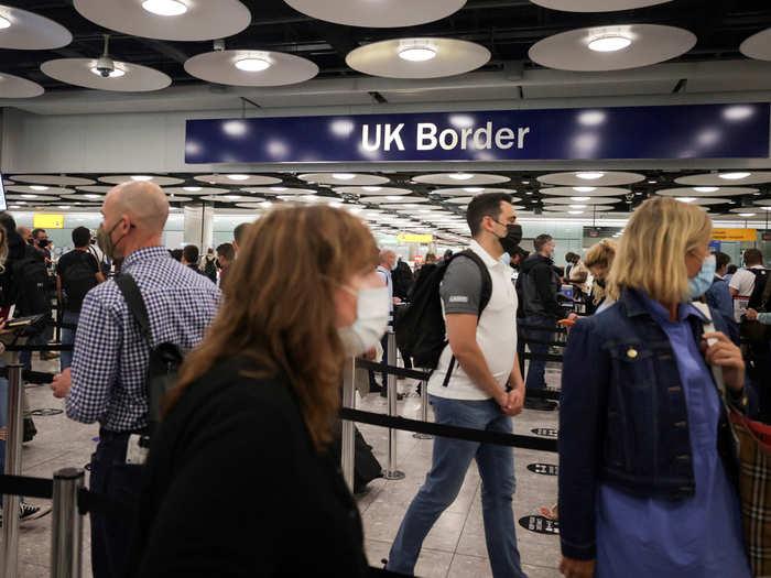 ब्रिटेन में यात्रा के नए नियम
