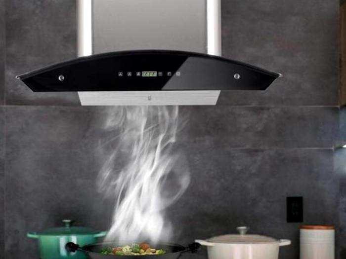 पावरफुल सक्शन से किचन के धुएं को बाहर करती हैं ये ऑटो क्लीन Chimney