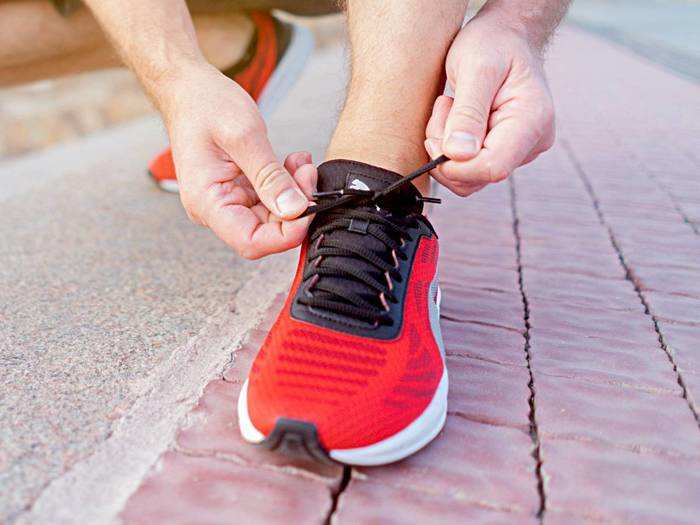 कंफर्टेबल और शानदार लुक वाले ब्रांडेड Running Shoes किफायती कीमत में खरीदें