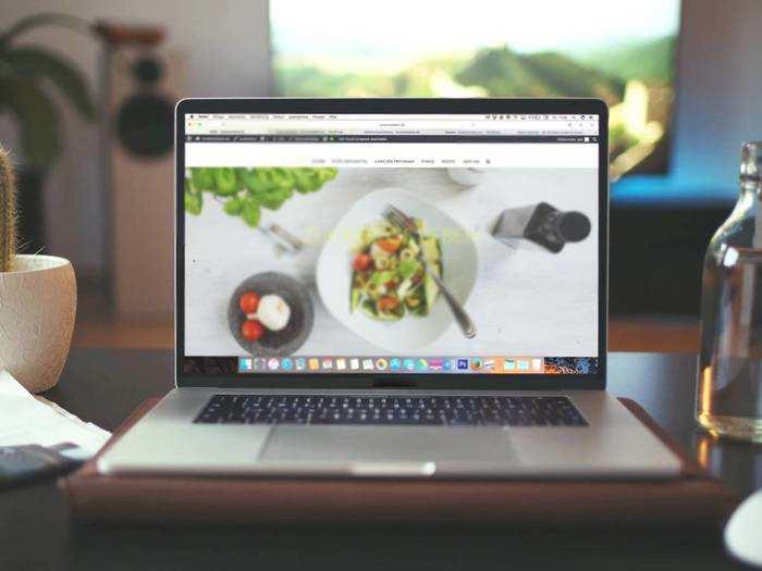 नए जैसे फीचर के साथ आधी कीमत पर खरीद सकते हैं आप ये 5 Renewed Laptops