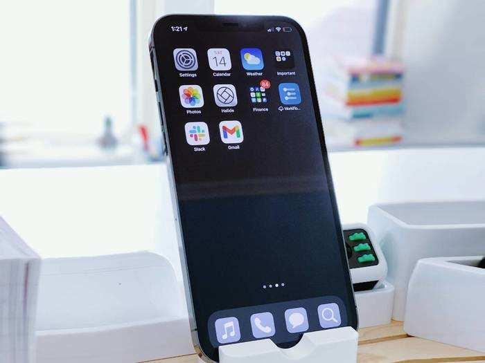 20 हजार से भी कम कीमत में मिलेंगे एमोलेड डिस्प्ले और फास्ट चार्जिंग वाले Smartphones