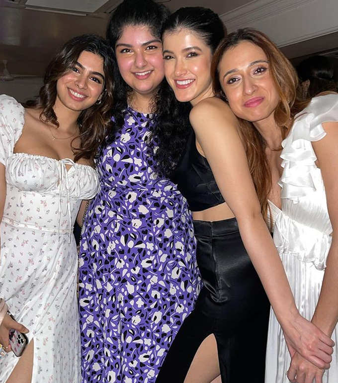 Inside pictures of Rhea Kapoor and karans reception party