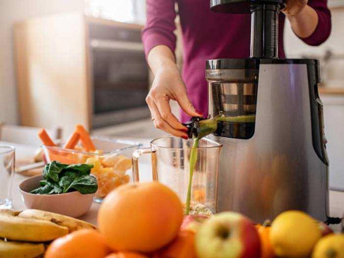 हेल्दी और फिट रहने के लिए इन Juicer से बनाएं फ्रेश जूस, कम बिजली में मिलेगी अच्छी सेहत
