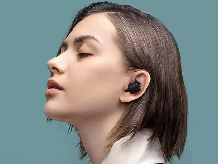 बेस्ट साउंड और फास्ट कनेक्टिविटी वाले हैं ये Earbuds, कीमत सिर्फ ₹699 से शुरू