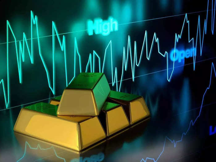 gold latest price, gold and silver tumble in future trade on 25th august