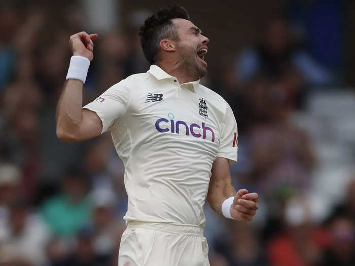 watch videos how james anderson out kl rahul cheteshwar pujara and virat kohli on three magical outswinger