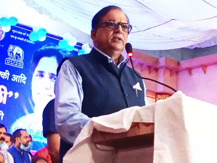 up assembly election 2022: satish chandra mishra ne bataya jeet ka formula:  सतीश चंद्र मिश्रा ने बताया जीत का फॉर्मूला - Navbharat Times