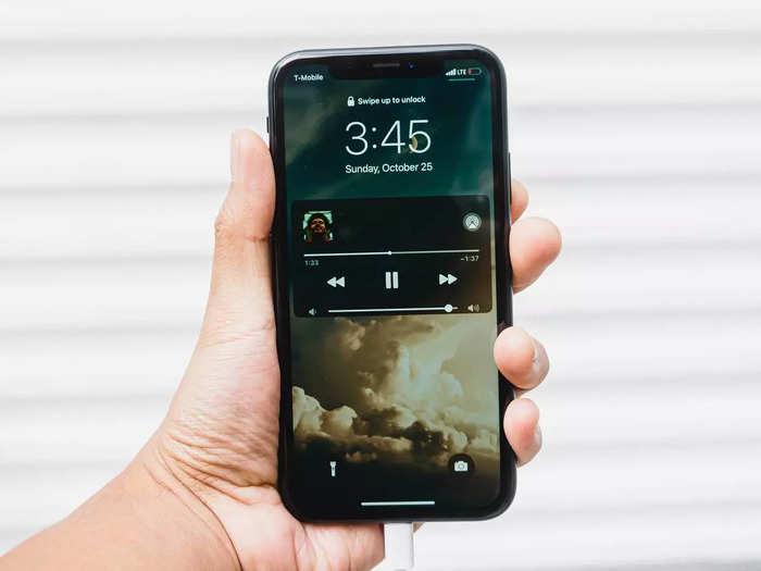 बेस्ट स्पेसिफिकेशन वाले हैं ये स्मार्टफोन, बजट में पाएं बेहतरीन प्रोसेसर और पिक्चर क्वालिटी