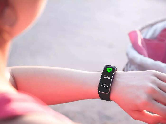 आपकी हेल्थ और फिटनेस का खास ध्यान रखते हैं ये Fitness Tracker, कीमत सुनकर हैरान रह जाएंगे आप