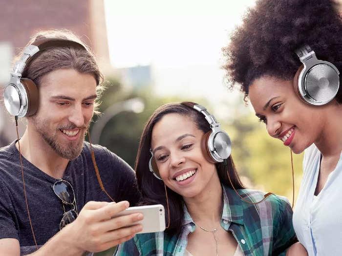 दमदार साउंड क्वालिटी और 24 घंटे तक के प्लेबैक टाइमिंग वाले ब्लूटूथ हेडफोन पर मिल रही है 49% तक की छूट