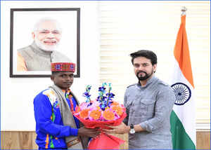 mariyappan thangavelu was welcomed and felicitated by union sports minister shri anurag thakur in new delhi today
