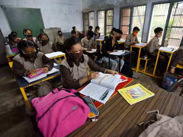 health experts body bats for reopening all schools in india says dont wait for vaccine
