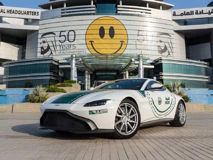Aston Martin Vantage by Dubai Police